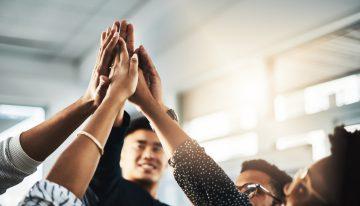 Motivação de equipes: quer algo melhor do que dar parte da sua empresa para motivar alguém?